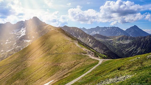 Kasprowy Wierch  to  Swinica Peak View  - Tatry Mountains,  Poland  -  N8205