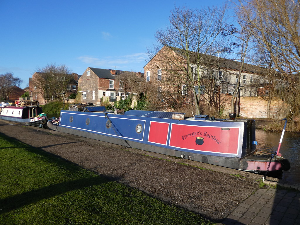 Canal boats on the Nottingham & Beeston Canal