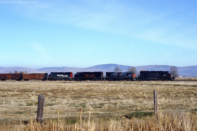 SP 7330 East leaving Klamath on the Modoc Line.