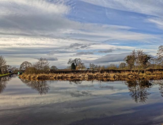 Towards Frankton Locks