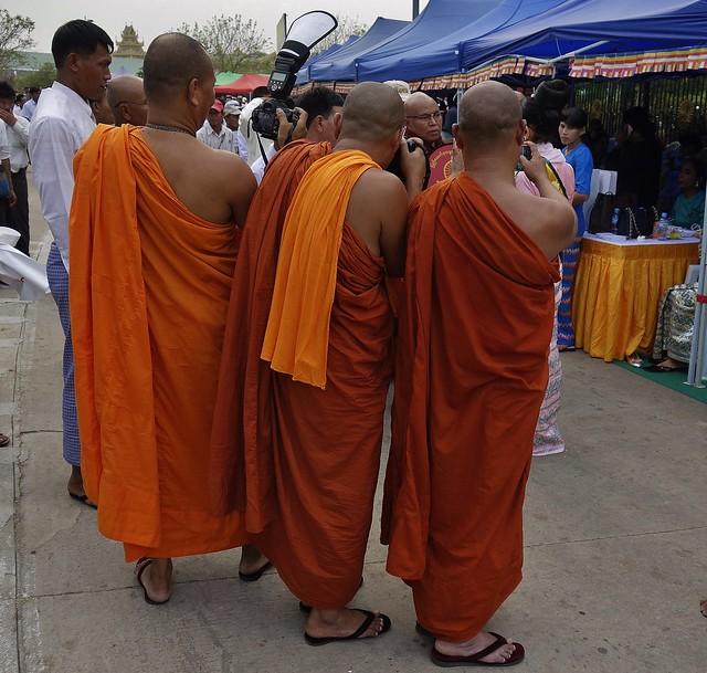 MYANMAR ,burma - Naypyidaw /Hauptstadt, rund um die Friedenspagode-Uppatasanti-Pagode,  eine Hauptstadt ohne Touristen , 78142/13320