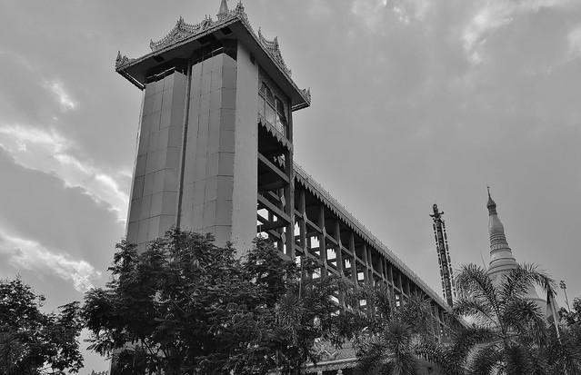 MYANMAR ,burma - Naypyidaw /Hauptstadt, rund um die Friedenspagode-Uppatasanti-Pagode, Lift zur Pagode,  78139/13317