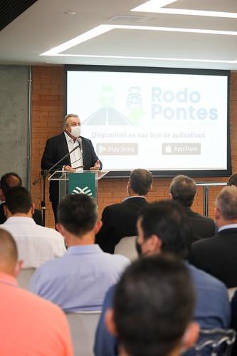 Assinatura de Contratos do Governo de Goiás e Fundepec-GO para execução de obras rodoviárias e Lançamento do app #rodopontes