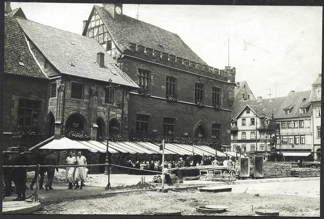 ArchivTappen2AAl2d518 Altes Rathaus, Göttingen, Fotoalbum, 1900-1930er