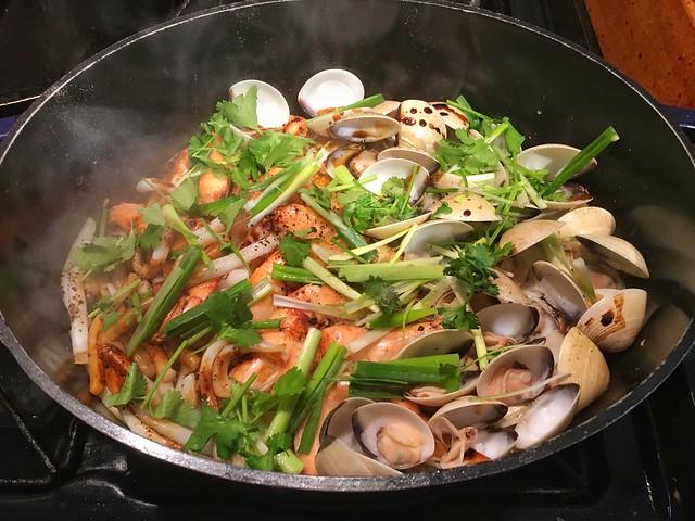 Seafood Claypot Rice