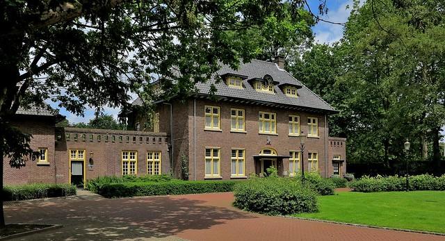 Nuenen, gemeentehuis