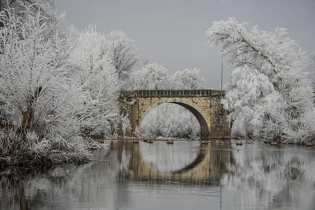El puente que atraviesa el frío
