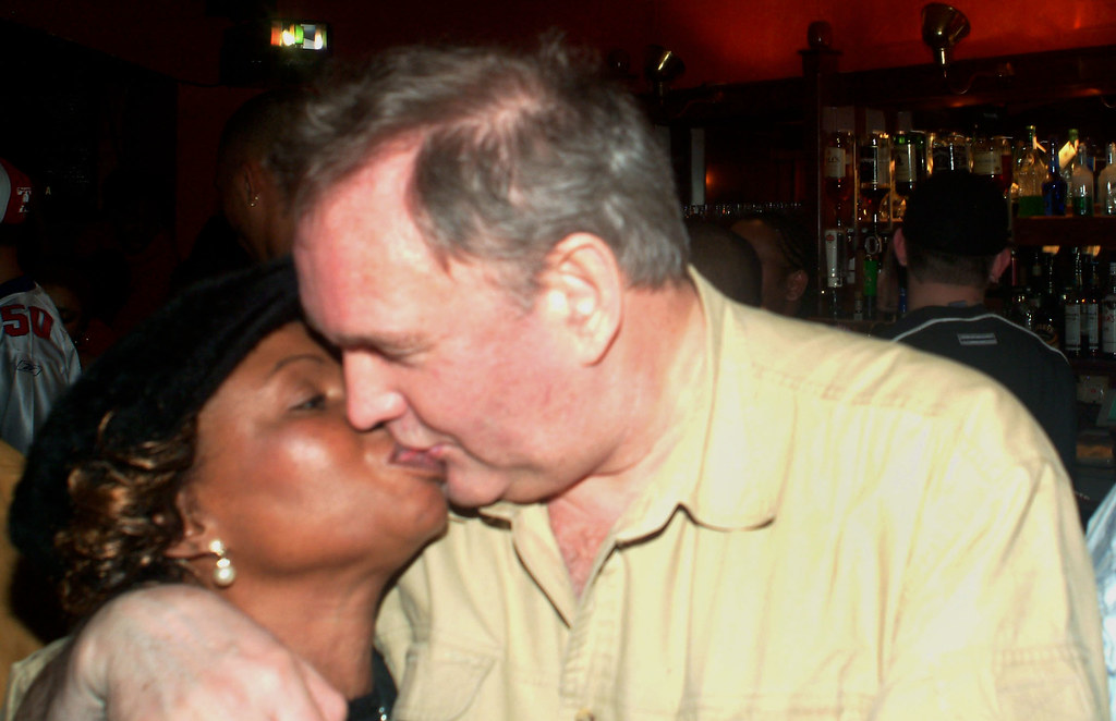 DSCF3446a South African New Year Party The Lark in the Park Pub 60 Copenhagen Street Islington London 2004/5 Judith from Zimbabwe out on the Town with MGS The Romantic Kiss
