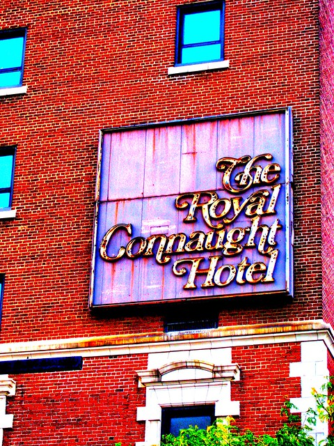 Hamilton Ontario - Canada  - At the Time it was Vacant - Now The Residences of Royal Connaught  -  Old Neon Sign now Gone