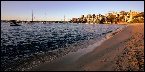 beach sydney sevenshillingsbeach pointpiper doublebay harbour sydneyharbour sunset summer sand footprints water