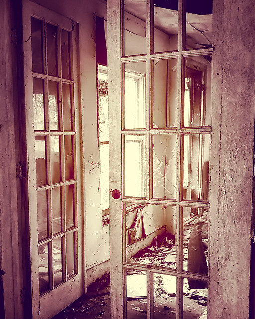 Abandoned House : Memories