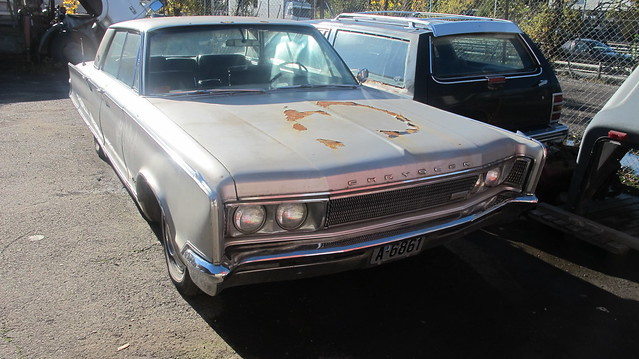 1966 Chrysler New Yorker 4-door Hardtop Sedan