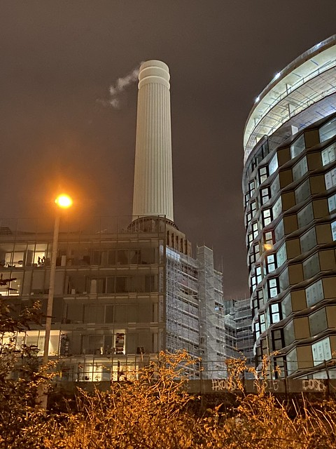 Battersea Power Station Chimney which is smoking ? , 18th January 2021.