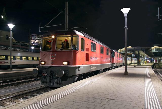 SBB Re 4/4 420 125 + 420 193 Basel SBB