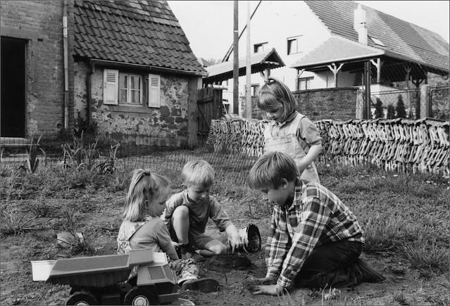 enfants jouant - début années 90