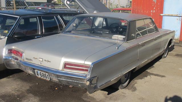 1966 Chrysler New Yorker 4-door Hardtop Sedan