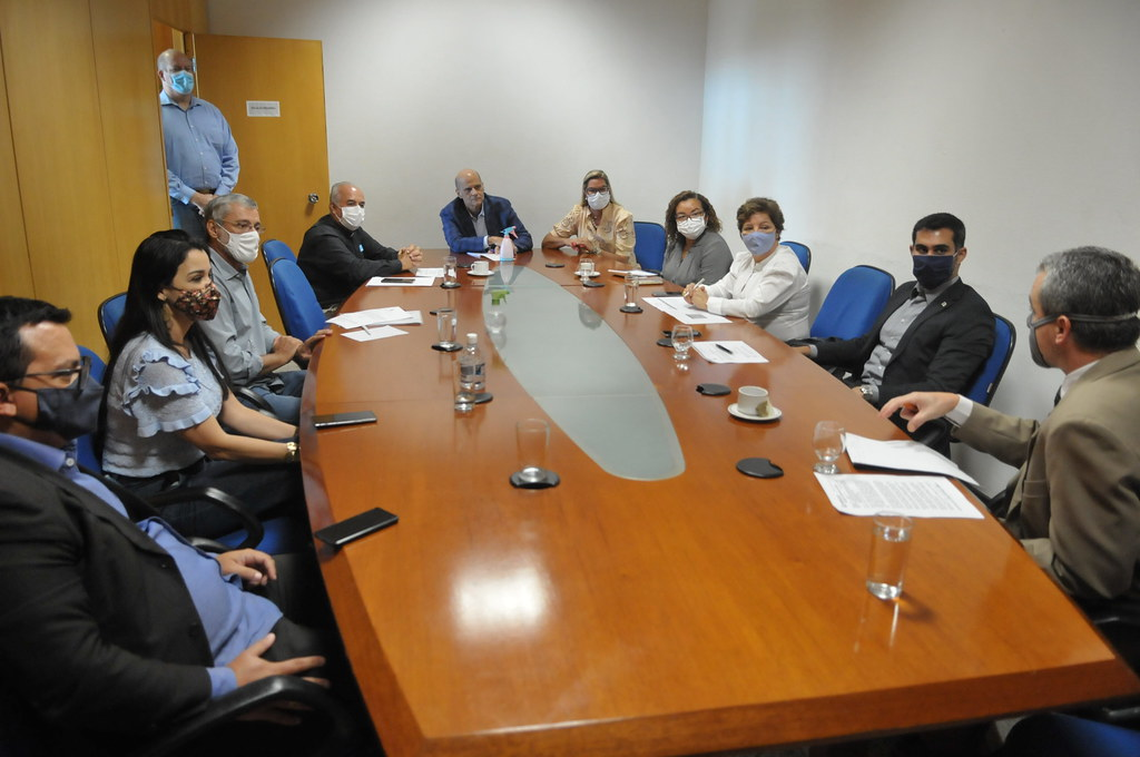 Reunião para Aquisição de Terrenos por entidades Religiosas no DF