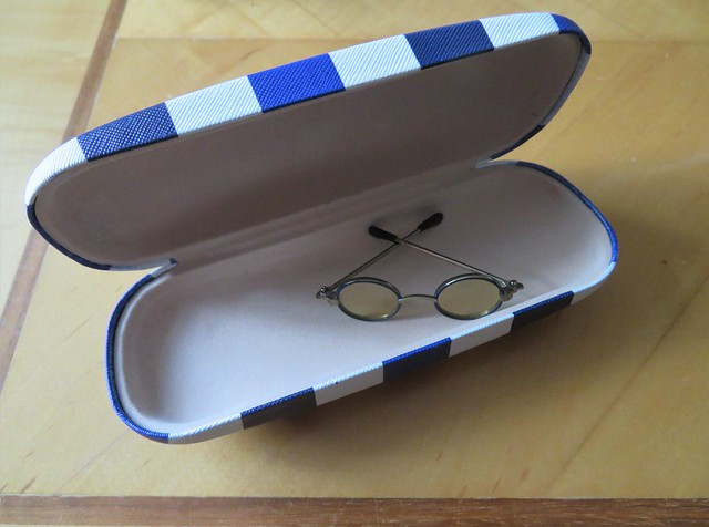 isn't annoying when you open the box to find the item is a lot smaller than that shown on the box. Spectacles Glasses
