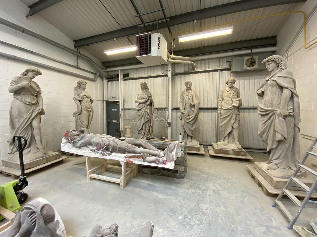 Restoring the Citizens Theatre statues