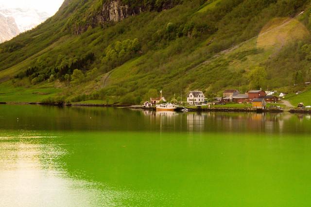 Fiordo de Naeroy Norway