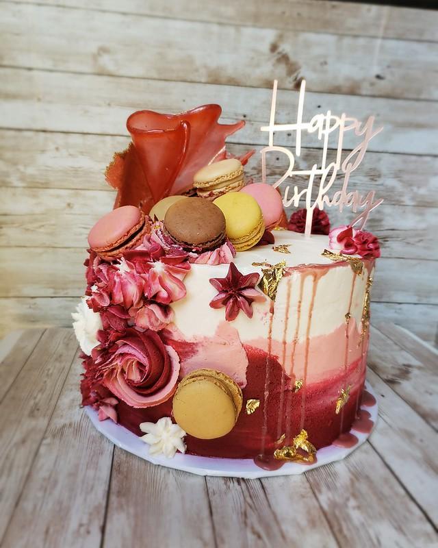 Cake by IluvCakesetc