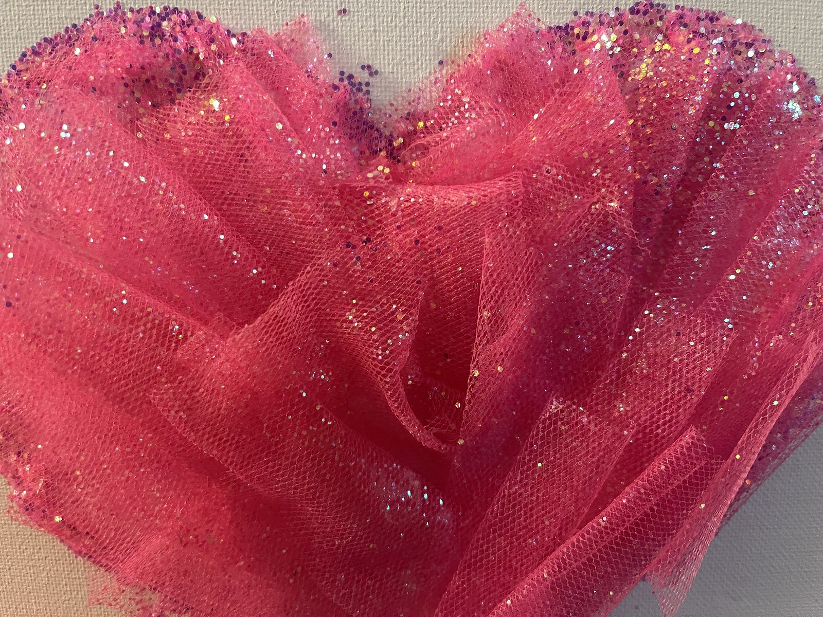 How to Make a Glittered Tulle Canvas Heart