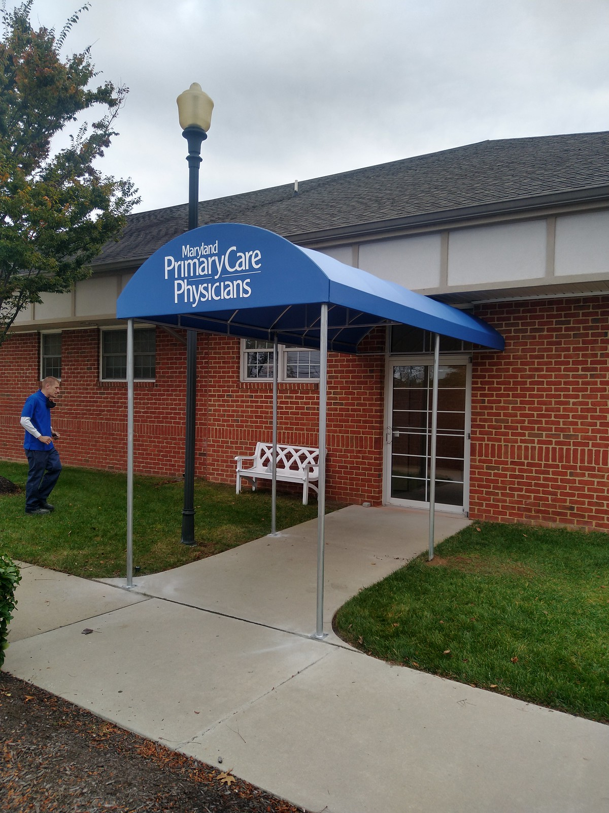 Commercial-Entrance-Hoffman Awning