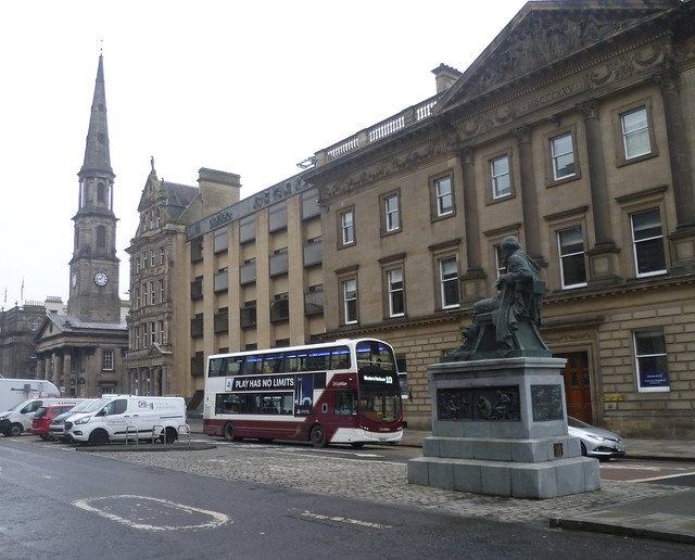 Lothian 352 on George Street, Edinburgh.