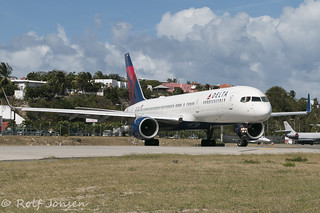 N6714Q Boeing 757-200 Delta Airlines Princess Juliana Airport TNCM 13.03-17