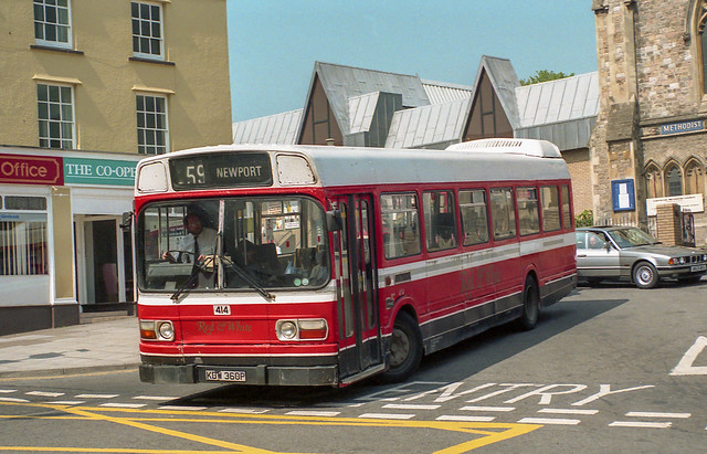 Red & White KDW360P Chepstow 19th May 1992