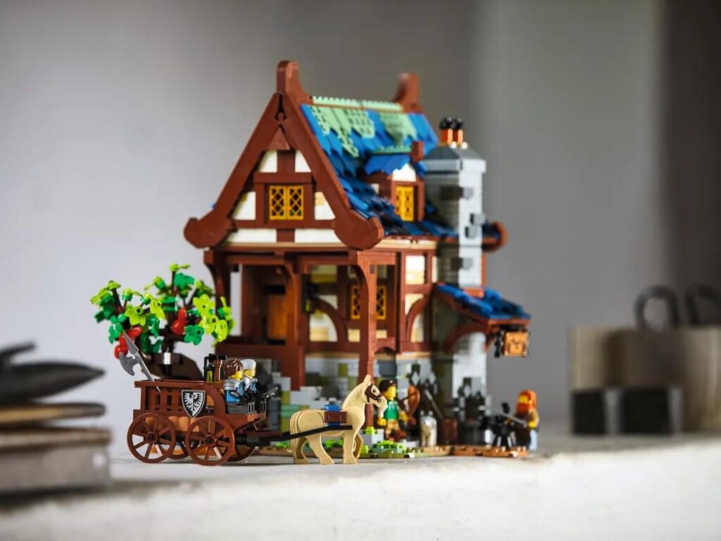 LEGO 21325 Ideas 系列【中世紀鐵匠小屋】Medieval Blacksmith 穿越時空來到迷人的中古時代!