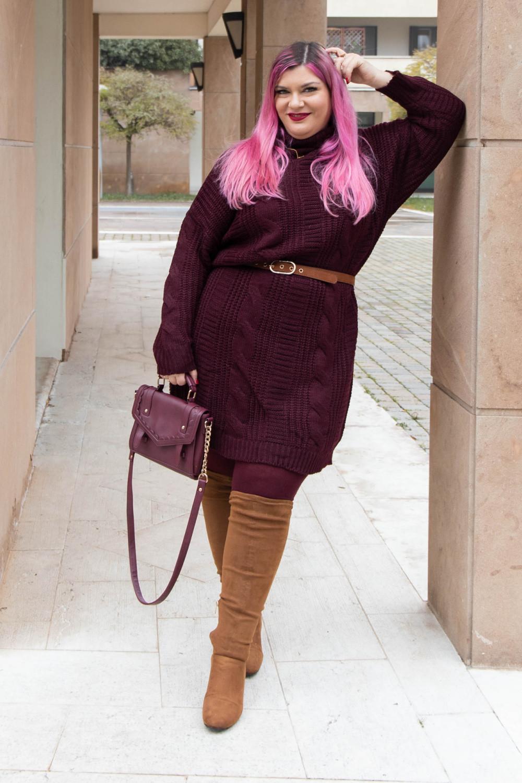 Outfit lavoro curvy plus size maglione stivali al ginocchio  (9)