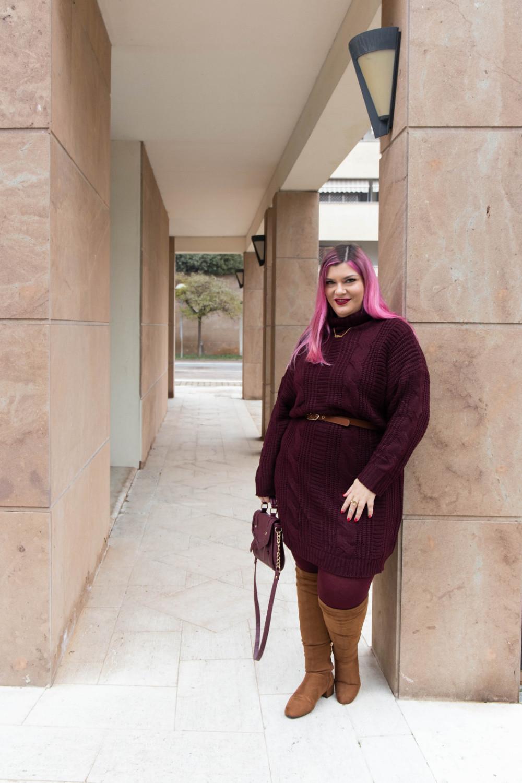 Outfit lavoro curvy plus size maglione stivali al ginocchio  (7)