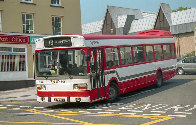 Red & White NWO454R Chepstow 19th May 1992