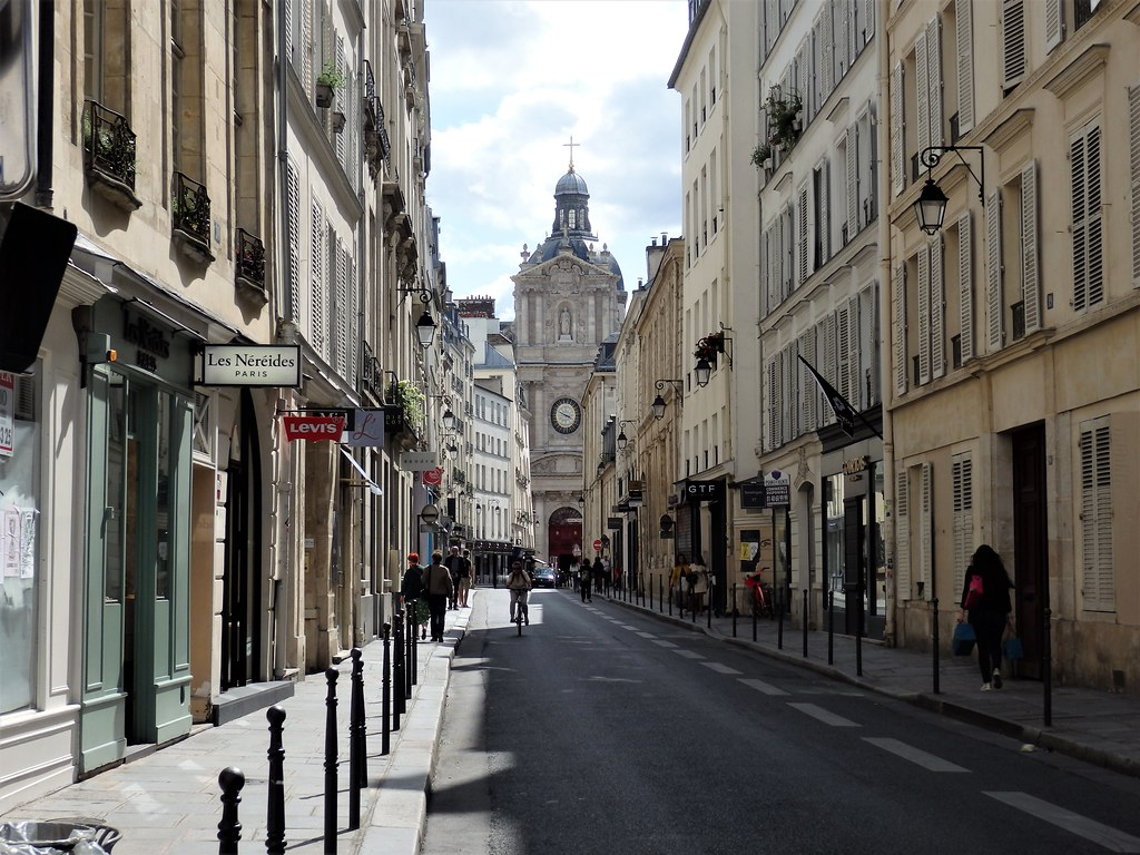 París - Rue de Sévigné, al fondo Iglesia Saint Paul-Saint Louis