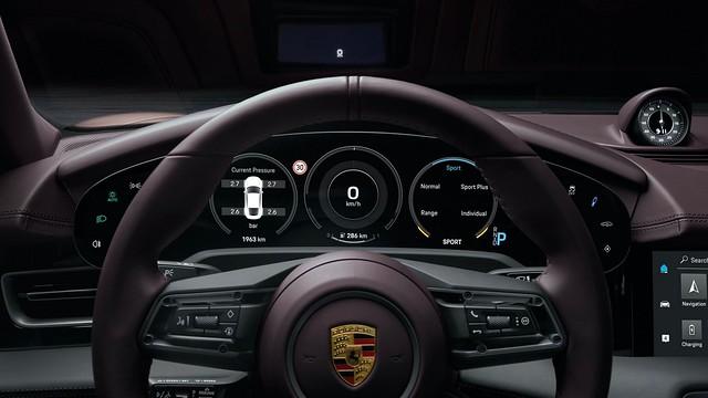 2021-Porsche-Taycan-9