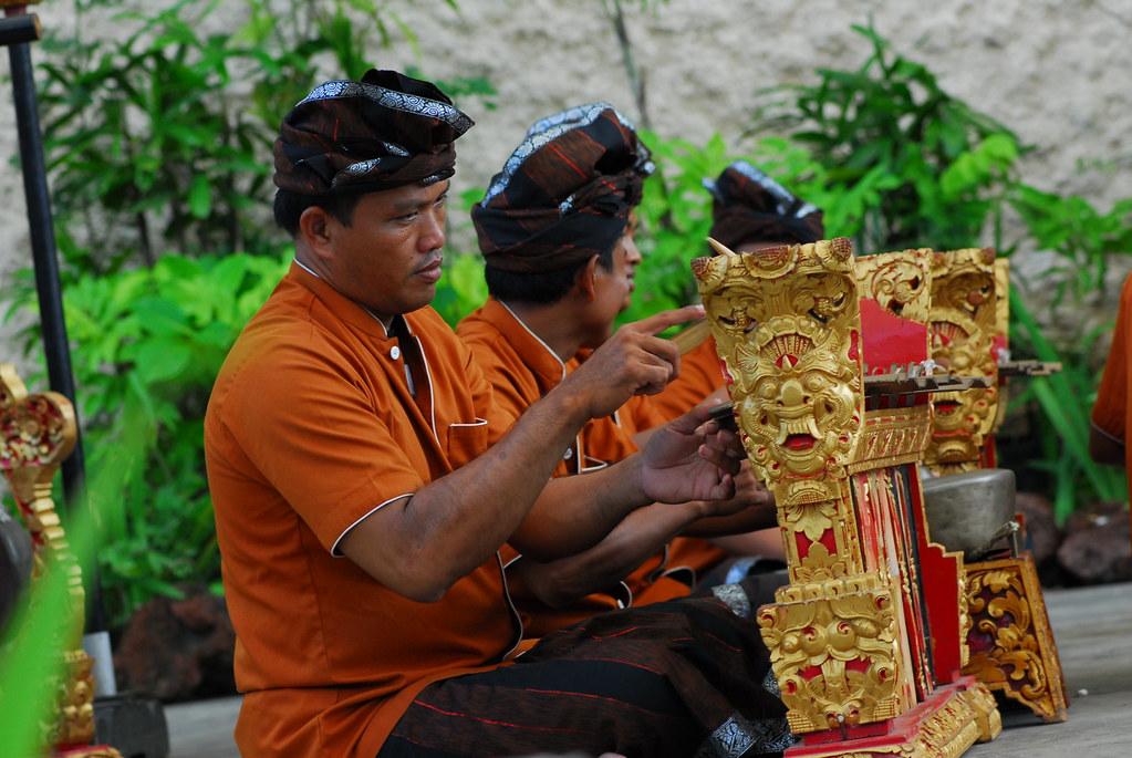 033 Indonesia Bali Dancers