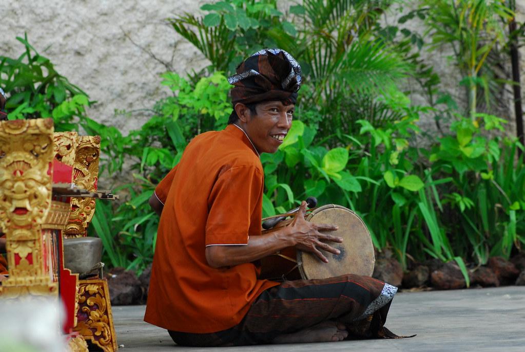 032 Indonesia Bali Dancers
