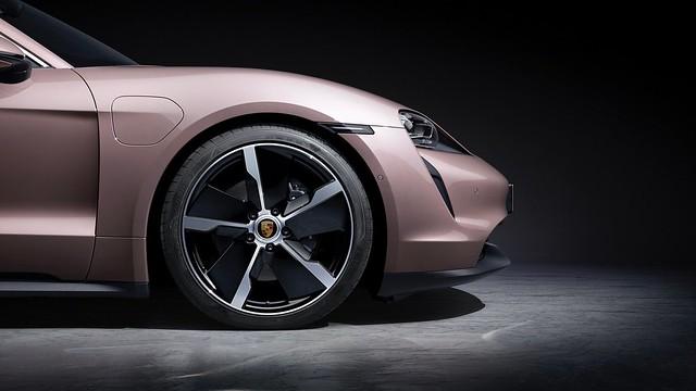 2021-Porsche-Taycan-6