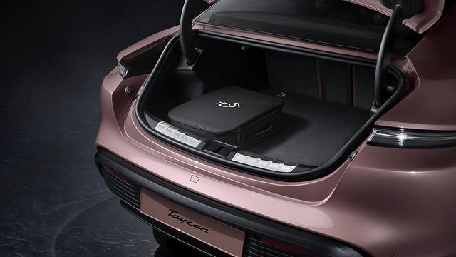 2021-Porsche-Taycan-7