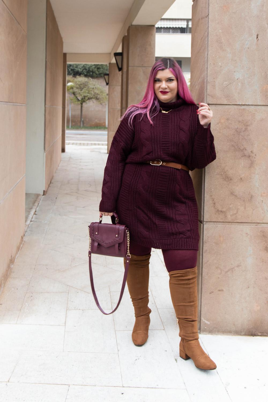 Outfit lavoro curvy plus size maglione stivali al ginocchio  (8)
