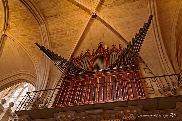 Órgano (Catedral de Burgos)