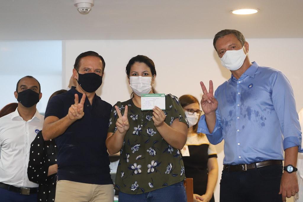 Início da imunização em Santos
