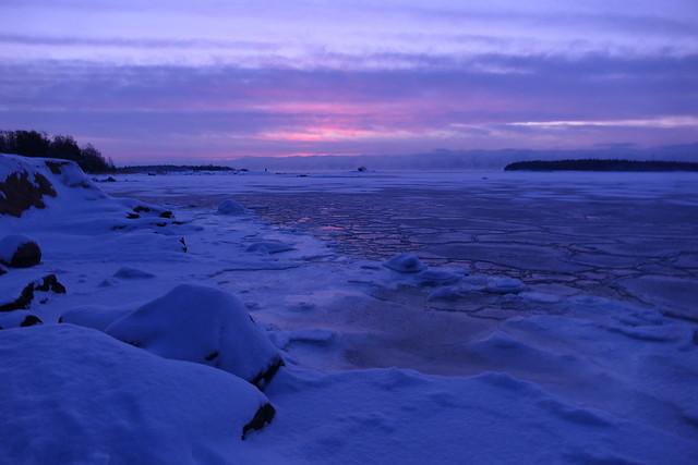 Waiting for the dawn (Lauttasaari, Helsinki, 20210116)