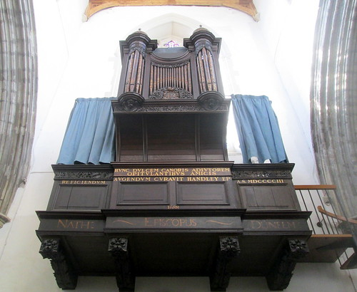 Auckland Castle, Organ in Chapel