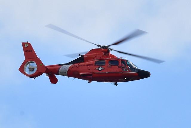 DSC_0702 USCG HH-65A Dauphin ll flyby @ Belmont Lake Park