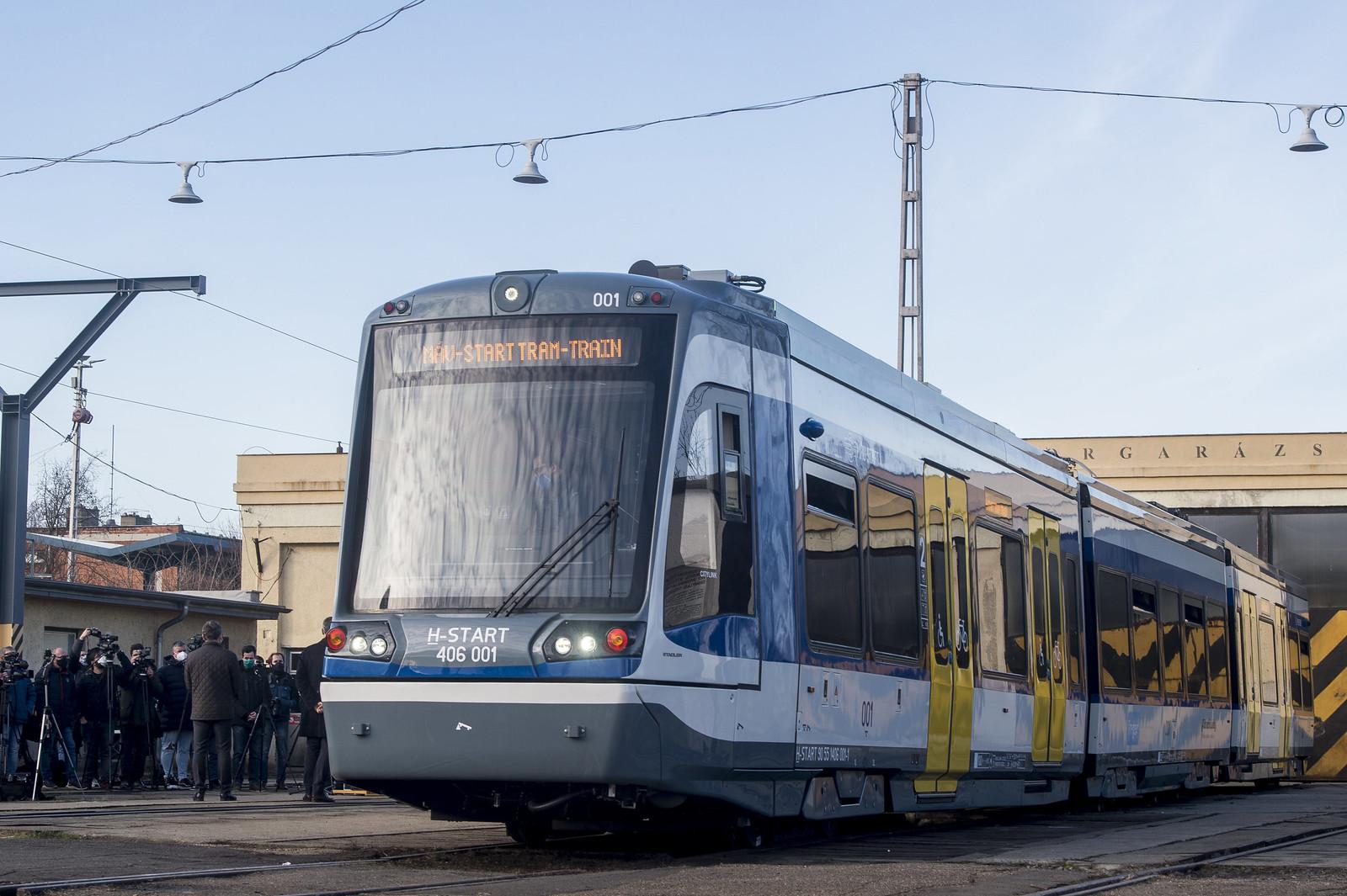 Lázár a tram-trainről: 2024-től Szabadkára is mehetünk