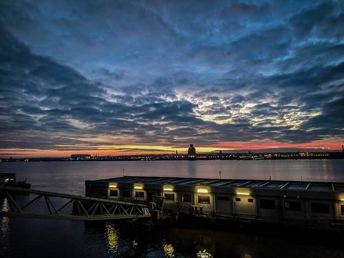 liverpool merseyside mersey rivermersey river dusk evening sunser sky bigsky clouds landscape water