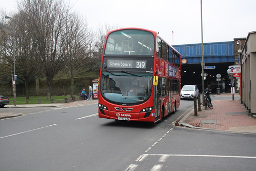 Arriva London HV146 LT63UJG