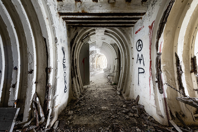 Abandoned Air-raid shelter under the city_003